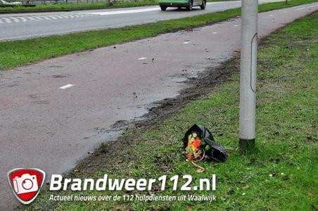 Bloemen voor 38-jarige man uit Waalwijk na dodelijk ongeval aan de Altenaweg Waalwijk