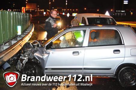 Man botst met auto tegen vangrail aan de Melkvonderweg Waalwijk