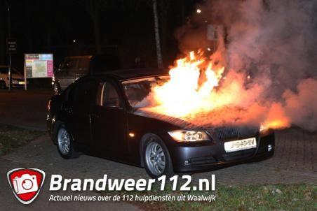 BMW vliegt in brand tijdens het rijden aan de Drunenseweg Waalwijk