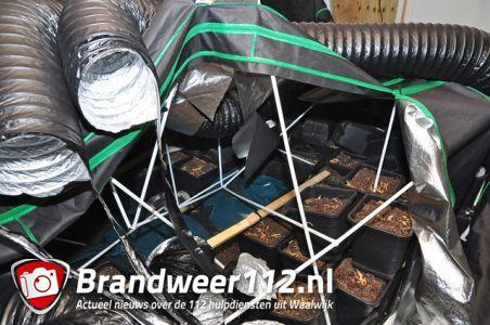 Politie doet inval in leegstaand bedrijfspand aan de Putstraat Waalwijk