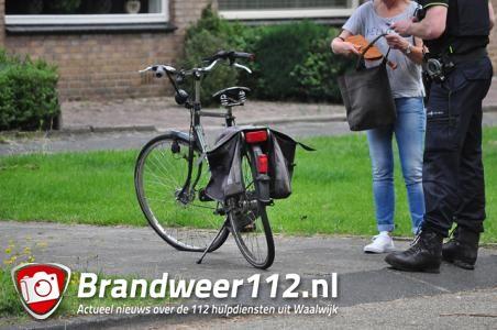 Man wordt van zijn fiets gereden aan de Groenewoudlaan Waalwijk