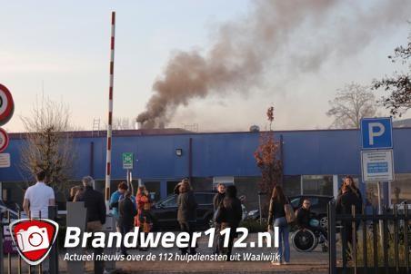 Brand in gebouw van WML aan de Zanddonkweg Waalwijk