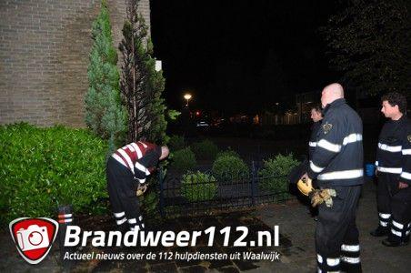Conifeer in brand aan de Prof. Kranenburgstraat Waalwijk