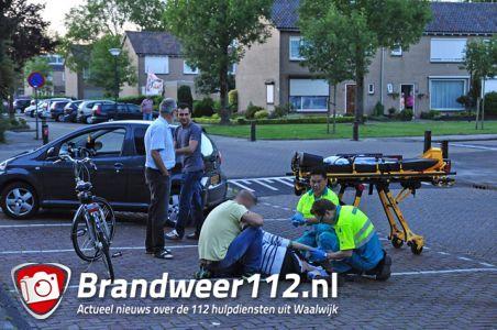 Man veel pijn na afstappen van fiets aan de Dr. Ringersstraat Waalwijk