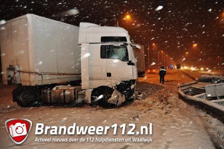 Sneeuwval veroorzaakt ongeluk op de A59 bij Waalwijk