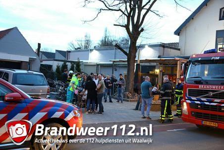 Vrouw onwel in kroeg: brandweer verricht metingen aan de Putstraat Waalwijk