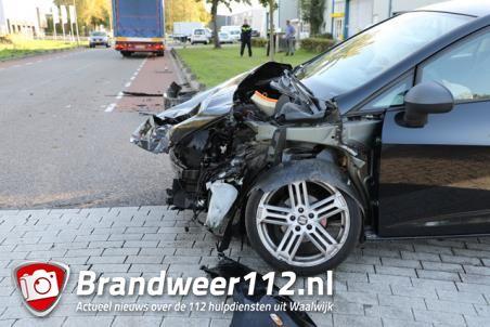 Gewonde bij ongeluk op kruising in Waalwijk