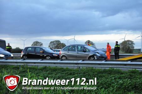 Ongeluk met vier auto's op A59 bij Waalwijk