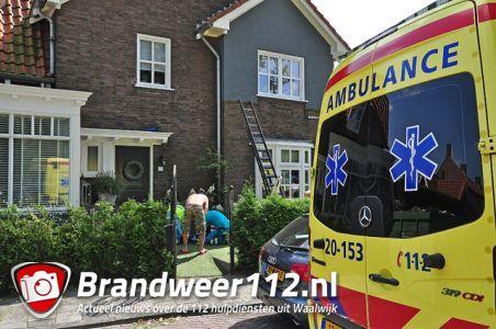 Vrouw valt van ladder tijdens zemen van ramen aan de Baardwijksestraat Waalwijk