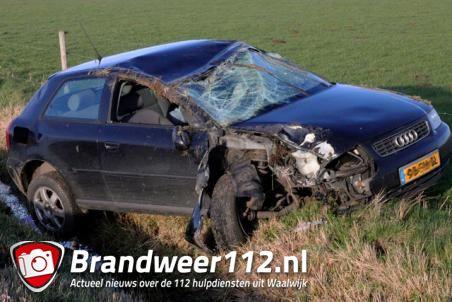 Bestuurster vliegt met de auto over de kop aan de Valkenvoortweg Waalwijk