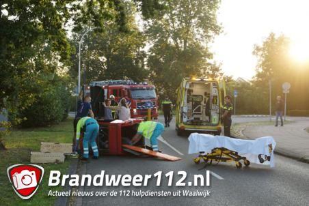 Bestuurder landt op zijn kant met Canta in Waalwijk