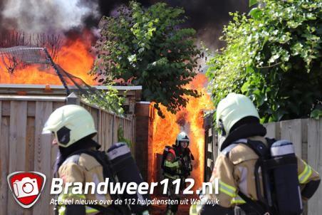 Schuur gaat in vlammen op aan de Palestrinastraat Waalwijk