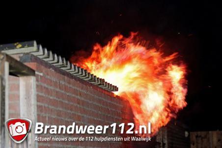 Schuur in brand aan de Max Bruchstraat Waalwijk