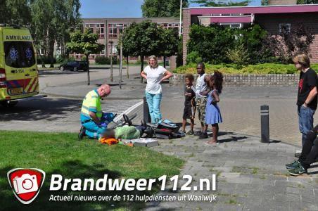 Vrouw komt hard ten val aan de Vondelstraat Waalwijk
