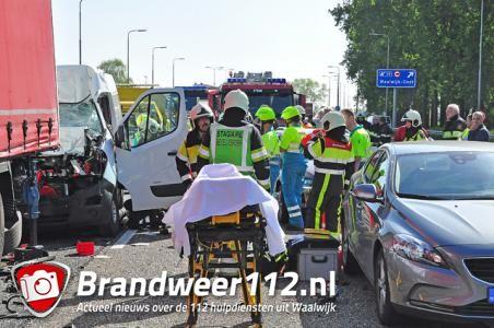 UPDATE: Man zwaargewond na ongeval op de A59 (Maasroute) Waalwijk