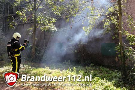 Poort in brand aan de Winterdijk Waalwijk