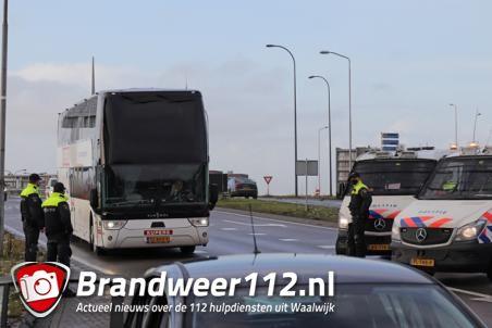 Mobiele Eenheid van de politie ingezet vanwege wedstrijd RKC en Willem II in Waalwijk