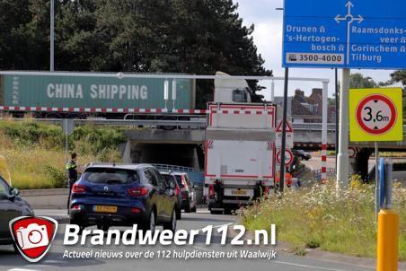 Waarschuwingsbalk voorkomt aanrijding met berucht viaduct aan de Hertog Janstraat Waalwijk
