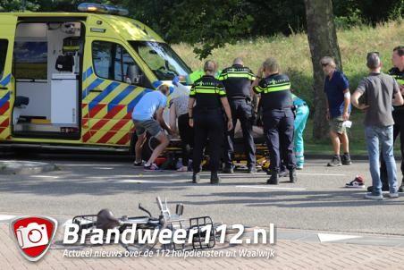 Meisje zwaargewond na aanrijding met auto aan de Floris V-laan Waalwijk